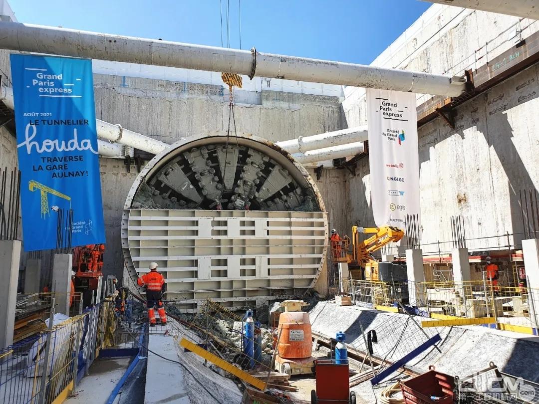 """""""中铁777号""""设备顺利完成法国巴黎地铁16号线项目第一区间掘进"""