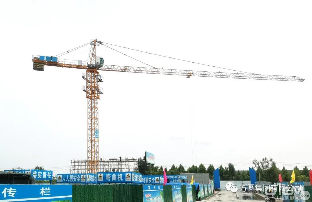 方圆TC5510塔机群服役博兴东城花园项目建设