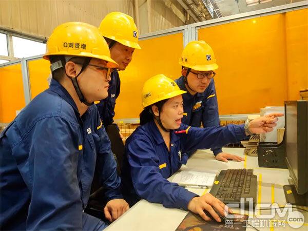 徐工铲运机械事业部结构分厂组织开展MES系统操作方法培训
