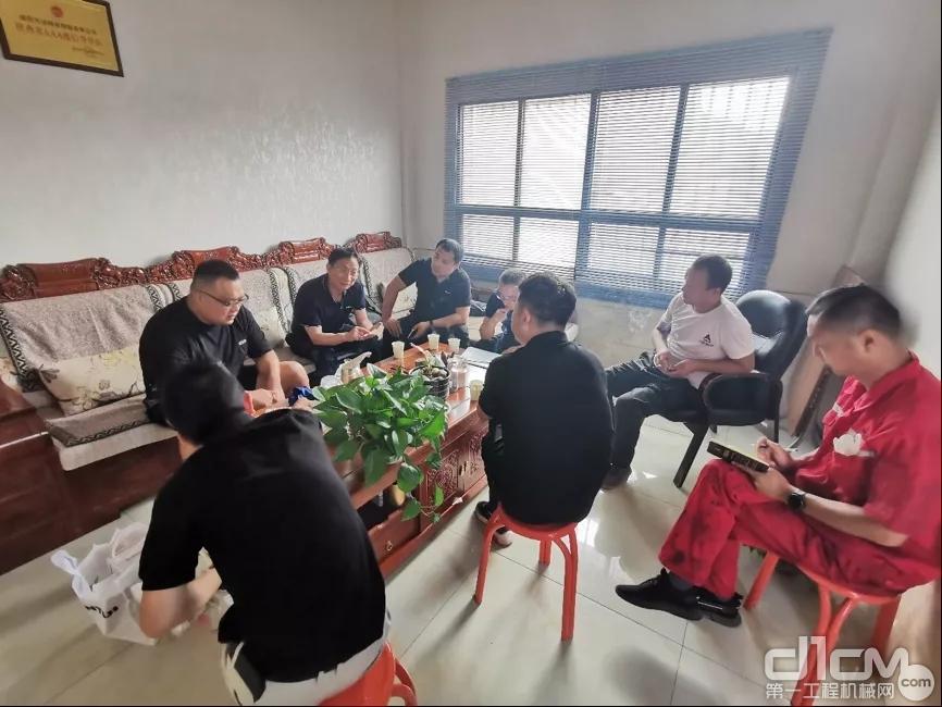 刘春朝副总经理一行与用户交流