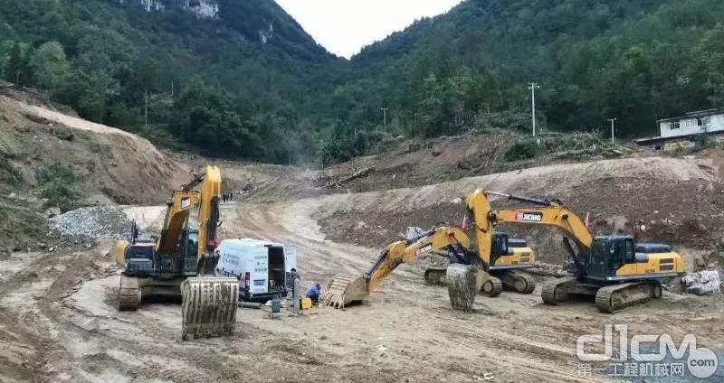 向乾孝购买了几台徐工挖掘机,从此进军工程机械行业
