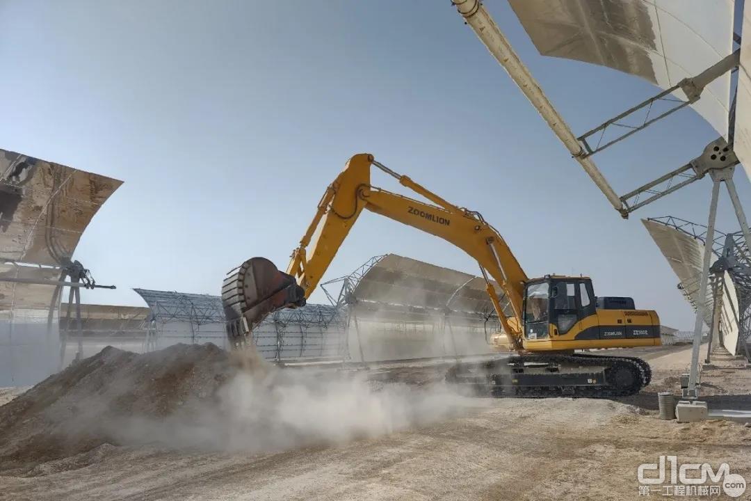 中联重科挖掘机参建迪拜最大光热光伏电站项目