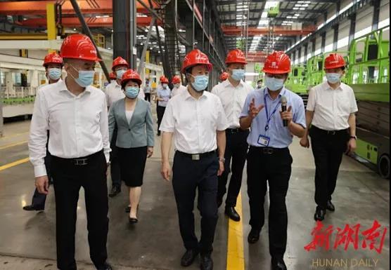 许达哲考察中联重科望城工业园智能高空作业机械公司