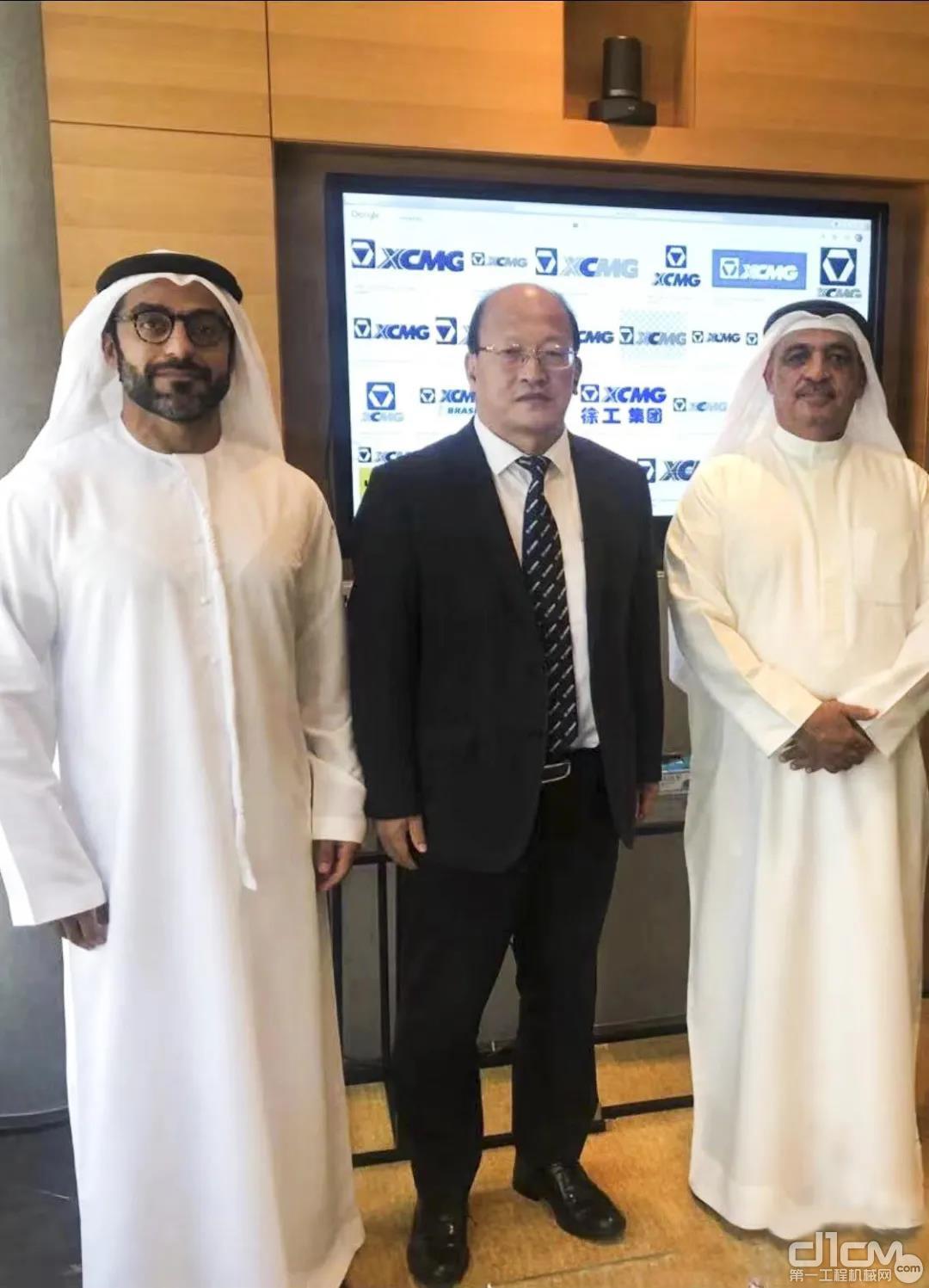 刘建森在迪拜与阿联酋拉斯海马酋长国商会主席Al Nuaimi先生会谈