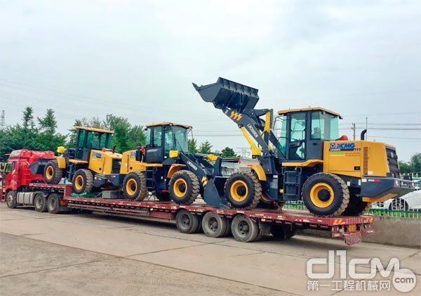 数十台装载机整装待发奔赴非洲