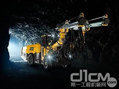 安百拓Boomer S2掘进凿岩台车是此次采购的设备之一