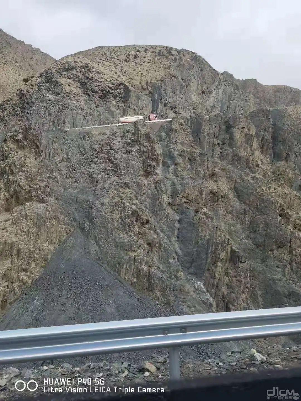 新藏线(国道219)三十里营房外某国防项目