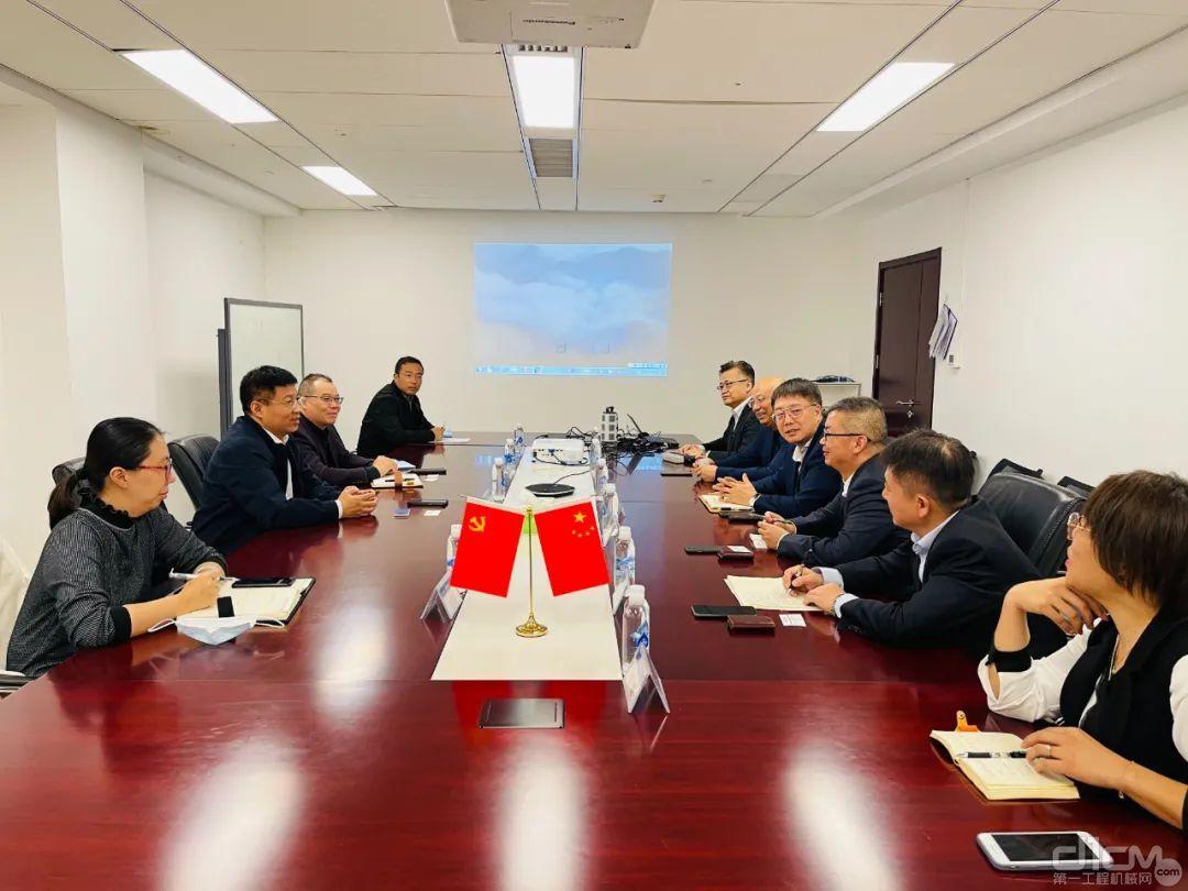 小松(中国)张全旺总经理兼CEO一行访问中交一公局集团有限公司
