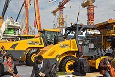 徐工全球之最39吨垂直压路机