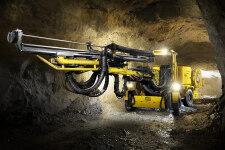安百拓Boomer K111凿岩台车施工现场全部图片