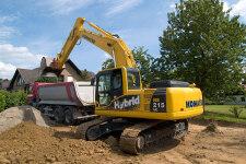 小松HB215LC-1M0混合动力挖掘机施工现场31642