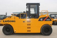 柳工CLG6530輪胎壓路機
