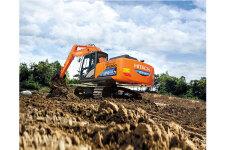 日立ZH200-5A混合动力液压挖掘机施工现场45236