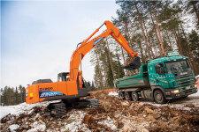 日立ZH200-5A混合动力液压挖掘机施工现场45237