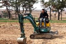雷沃FR18E2-u挖掘机施工现场全部图片