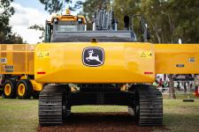 约翰迪尔E240履带挖掘机施工现场全部图片