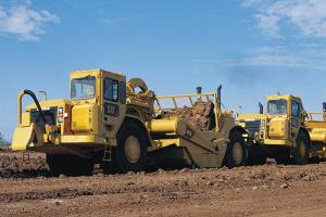 卡特彼勒637G煤斗铲运机