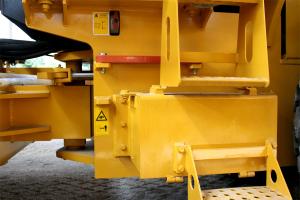 山推SR18全液压单钢轮压路机图片集