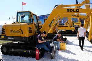 临工E660FL履带挖掘机