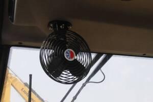 柳工CLG6122E机械式振动压路机图片集