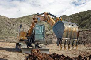雷沃FR80E2 挖掘机图片集