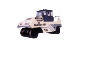 路星YL20型轮胎压路机