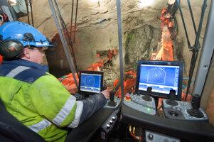 山特维克DT1130i全智能地下凿岩台车图片集