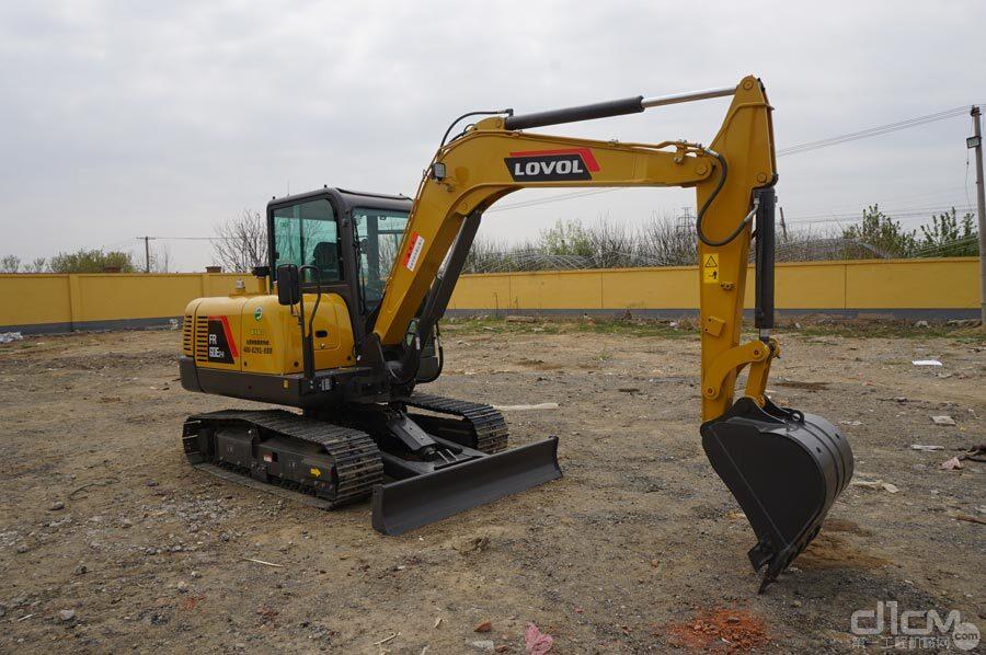 雷沃FR60E2-H挖掘机高清图赏