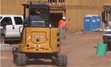 约翰迪尔 G-系列小型挖掘机的安全提示