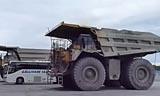 卡特彼勒793D卡车 V16柴油发动机
