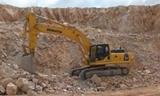 小松PC350-LC挖掘机在矿山作业