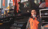 一哥领衔上海宝马展 日立建机690挖掘机产品讲解