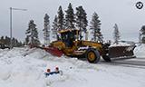 沃尔沃G946平地机除雪视频