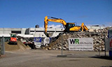 现代HX220L 挖掘机工作