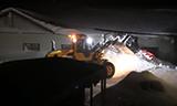 沃尔沃L70G轮式装载机夜间除雪