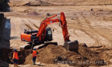 日立ZAXIS 250挖掘机与卡特320E挖掘机工作
