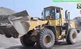 小松PC200挖掘机与小松WA350装载机工作