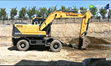 現代150W VS挖掘機作業