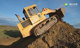 利勃海尔履带式装载机,挖出的土一直往上填!
