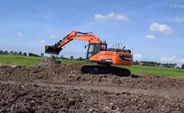 斗山 DX 235LC- 5 挖掘机