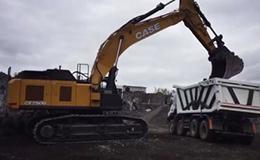凯斯CX750D挖掘机装载ASTRA HHD9自卸车