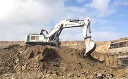 巨型利勃海爾984C挖掘機視頻