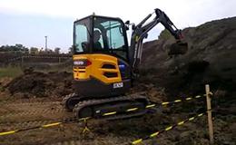 沃尔沃ECR 25 D挖掘机