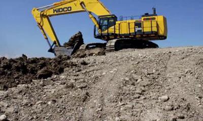 小松PC1250挖掘机装载卡特自卸车