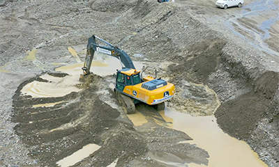 约翰迪尔挖掘机效率高 省油 质量可靠 获西藏用户好评